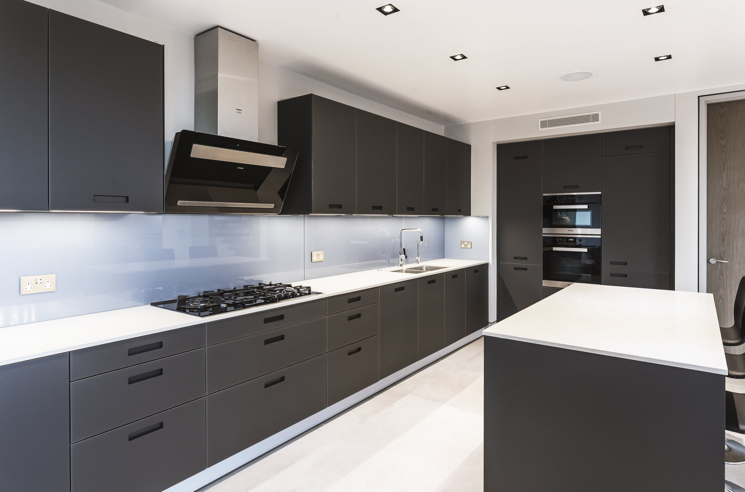 allum_reshoot_internal_kitchen_b.jpg