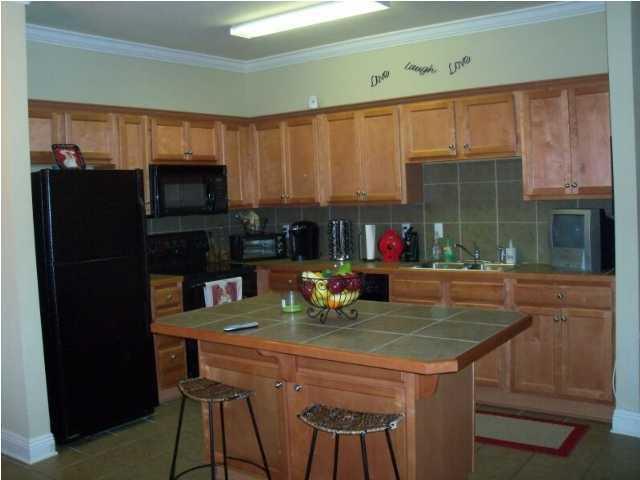 Kitchen Before 1.jpg