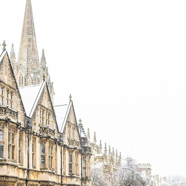 Brasenose, the University Church, All Souls. #zeuxisphotography #oxford #snow #dreamingspires #oxforduniversity