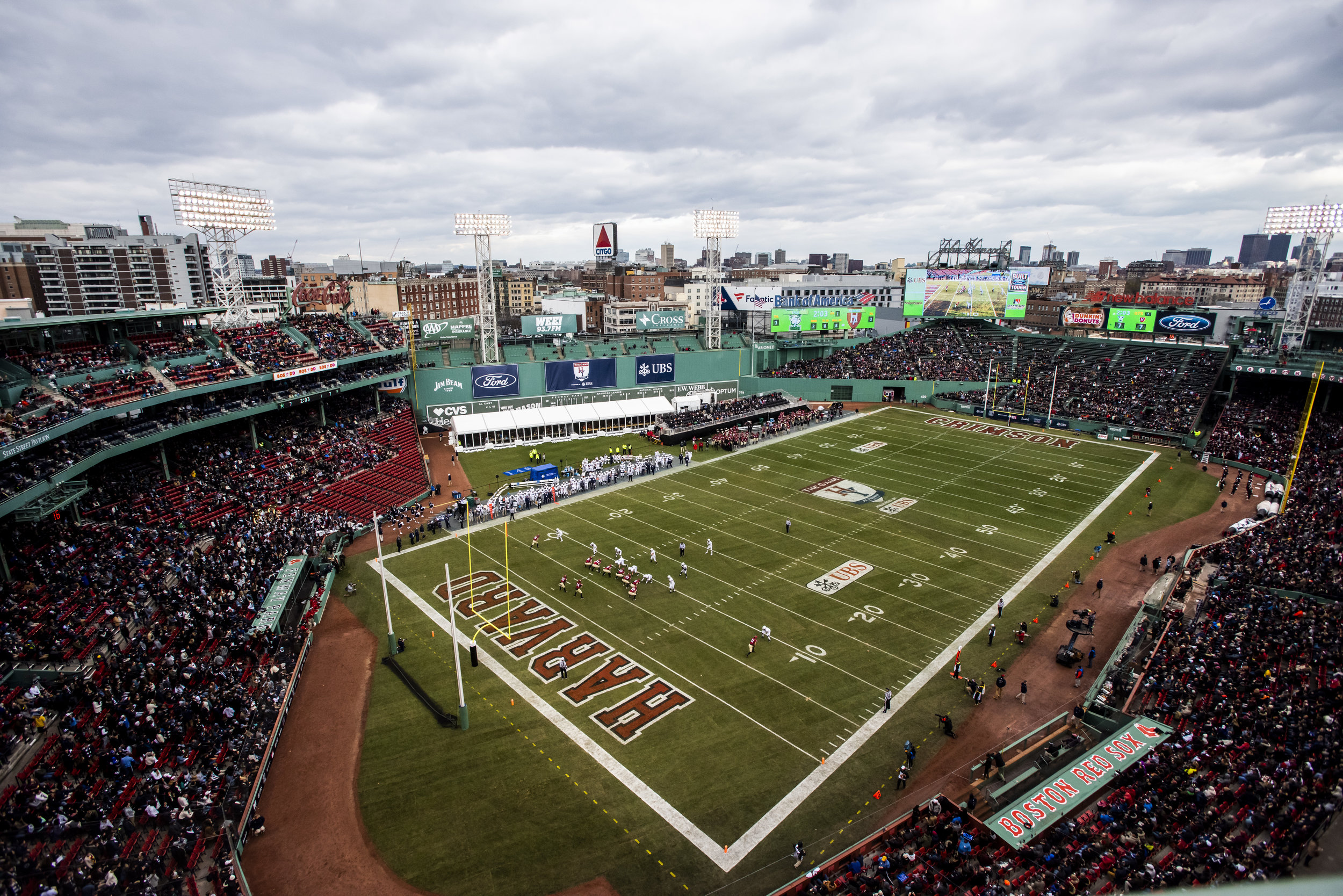 November 16, 2018, Boston, MA: A wide shot of the field during the Harvard University and Yale University football Game at Fenway Park in Boston, Massachusetts on Thursday, November 16, 2018. (Photo by Matthew Thomas/Boston Red Sox)