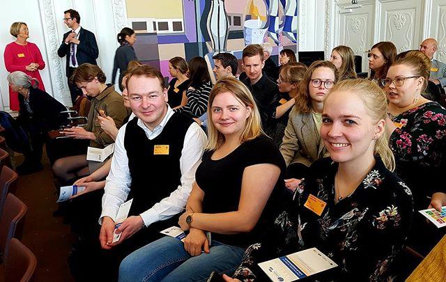 GOD PÅSKE! ☀️🐣🐥 Ønsker FNUF med et billede fra Foreningerne Nordens jubilæumskonference i Landstingssalen på Christiansborg, København, d. 15. april 2019 under FNUF's vårmøde. #unginorden #fnverdensmål