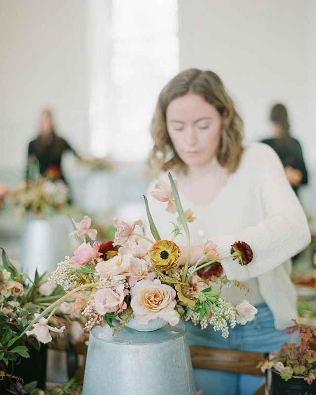 It's been a month since I flew out to Park City for @tingefloral Color Theory Workshop ✨and receiving these beautiful film photos from the oh so talented @jacquelyn_hayward is bringing back all of the happiest flowering memories. So so excited for @olivelane.studio to go live super soon, and to see where this love for flowers takes me 💛💫