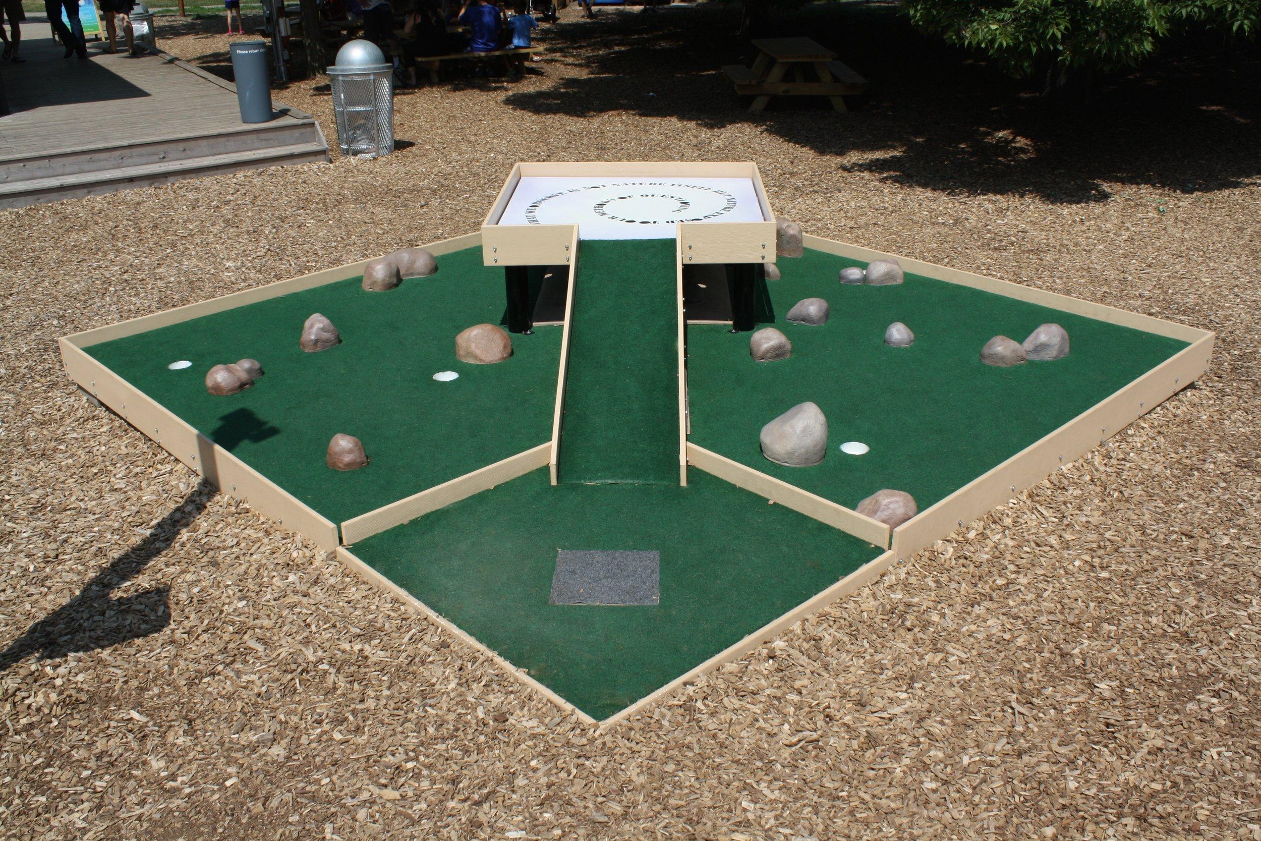 Mini golf 1.JPG