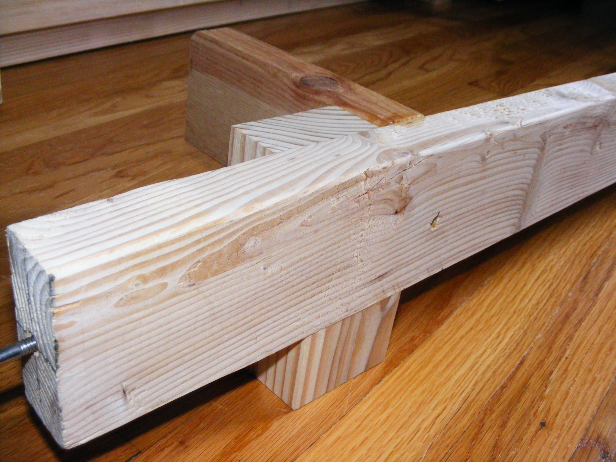 "The legs were made of two pieces of 2x4 laminated together and cut to 3"" wide"