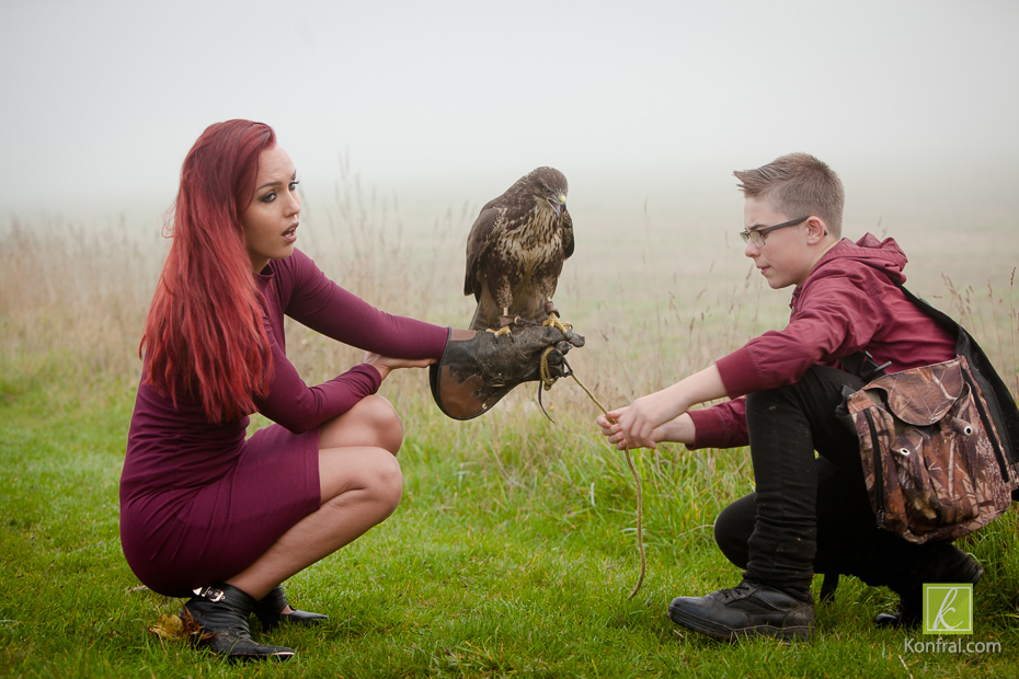 Pete's son expertly helping to safely rig the Buzzard on Madge's hand