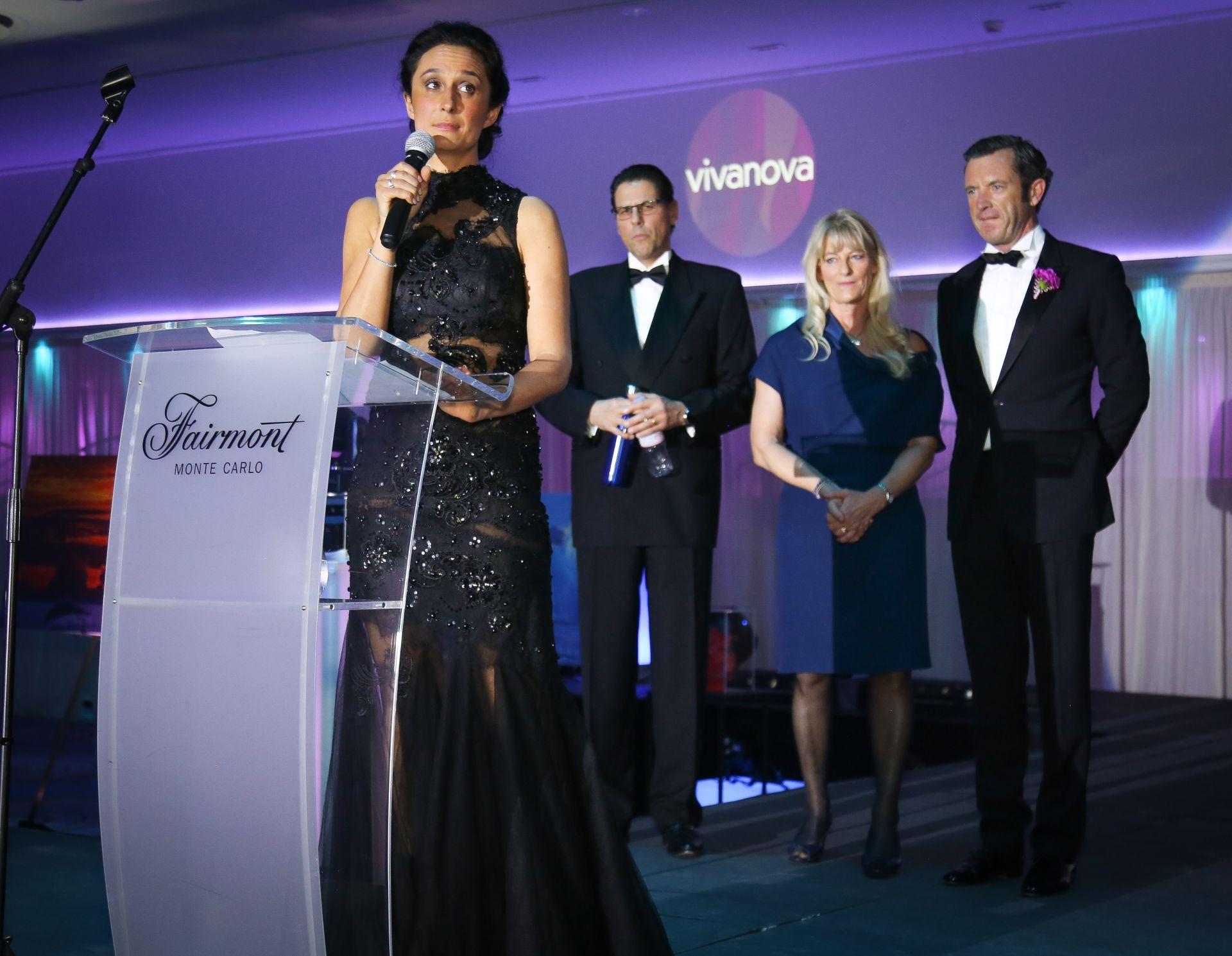 clubvianova-gala-2018_GM3A1556 2.jpg