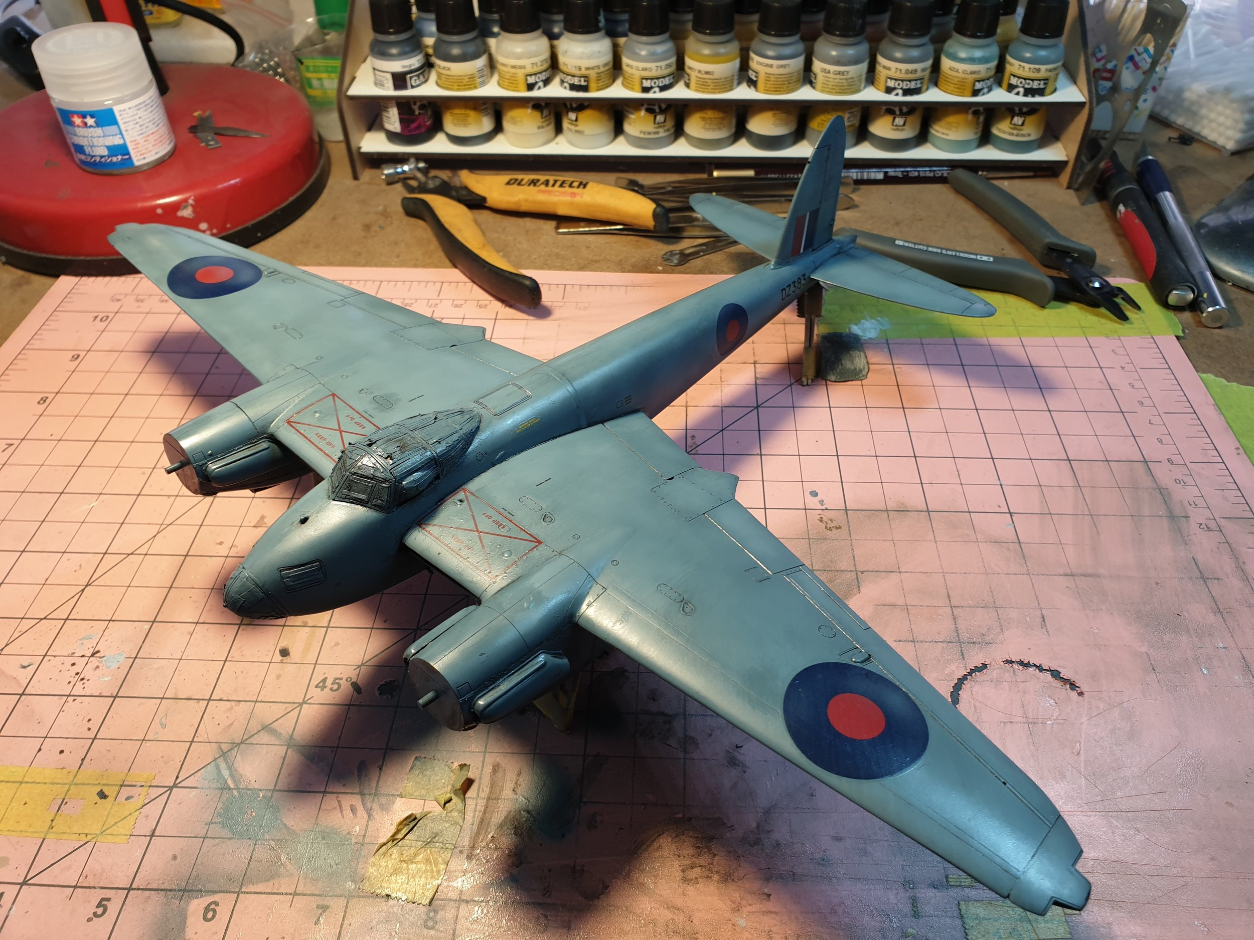 With the majority of the wash removed, the panel lines pop and the colour is blended and darkened beautifully!