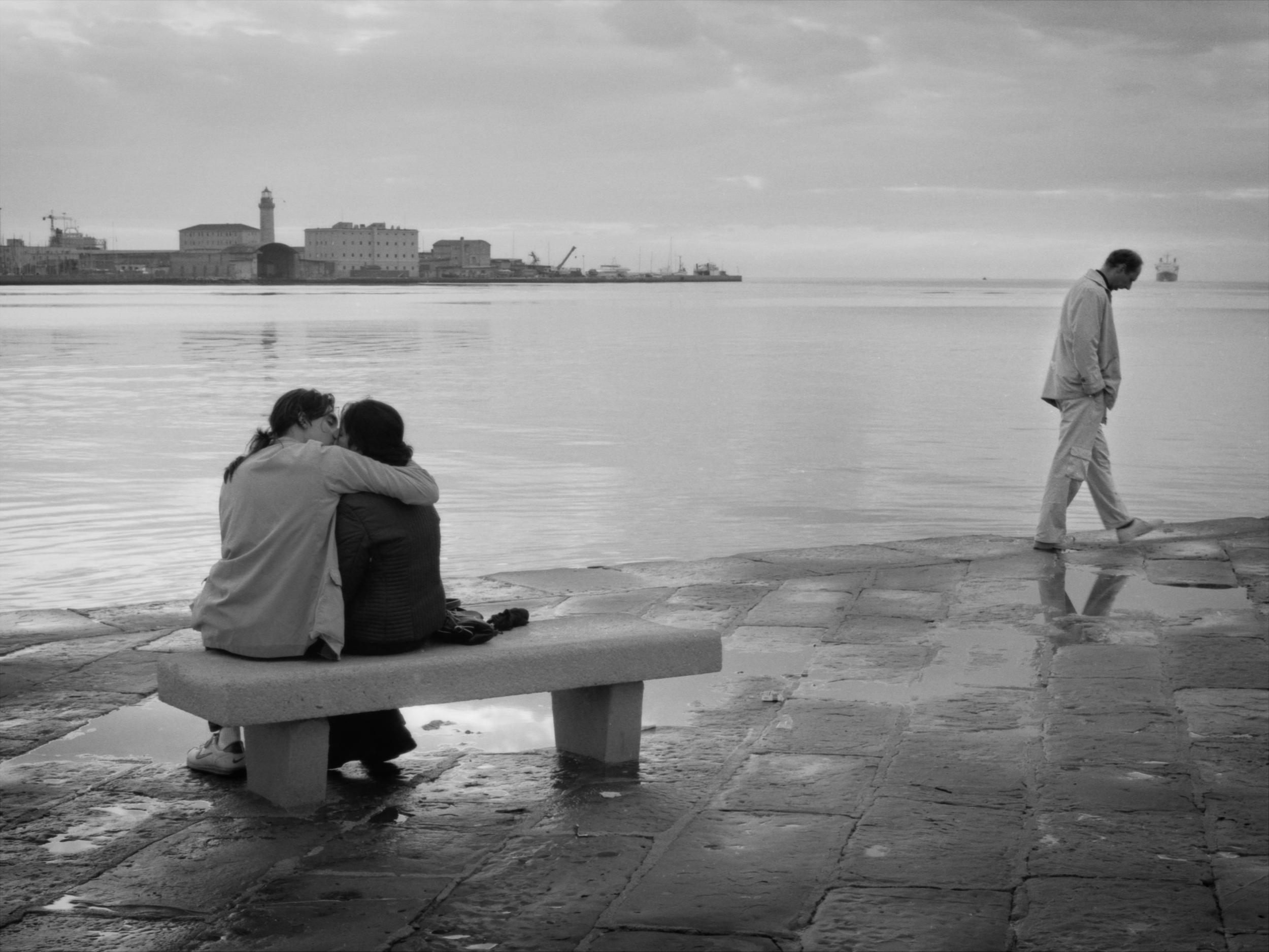 Italia Trieste bacio.jpg