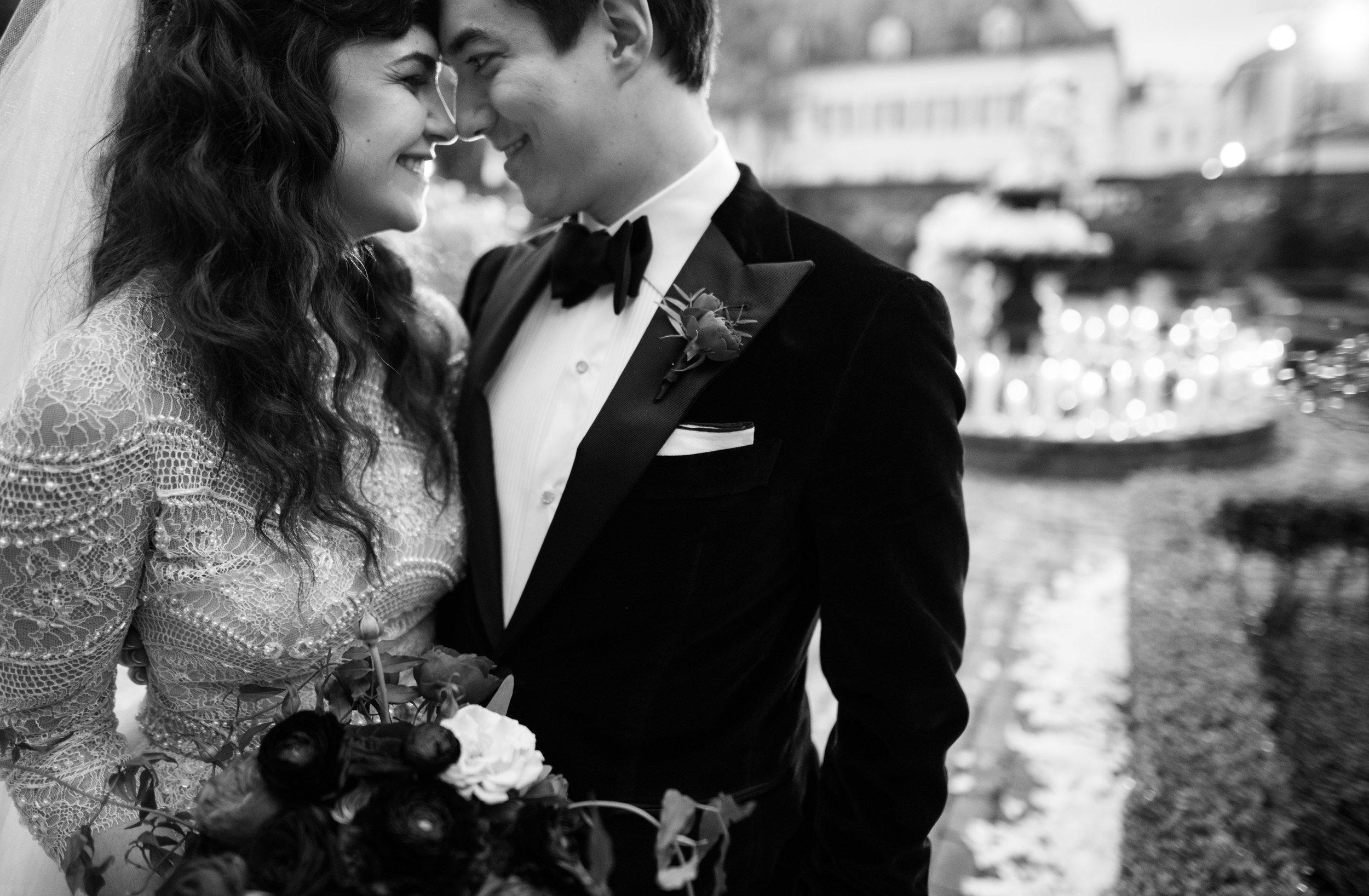 Ghostly Romantic NYE Wedding | New Orleans Wedding | French Quarter Wedding | Secret Garden Wedding | Bride Groom First Look Ideas | Sapphire Events