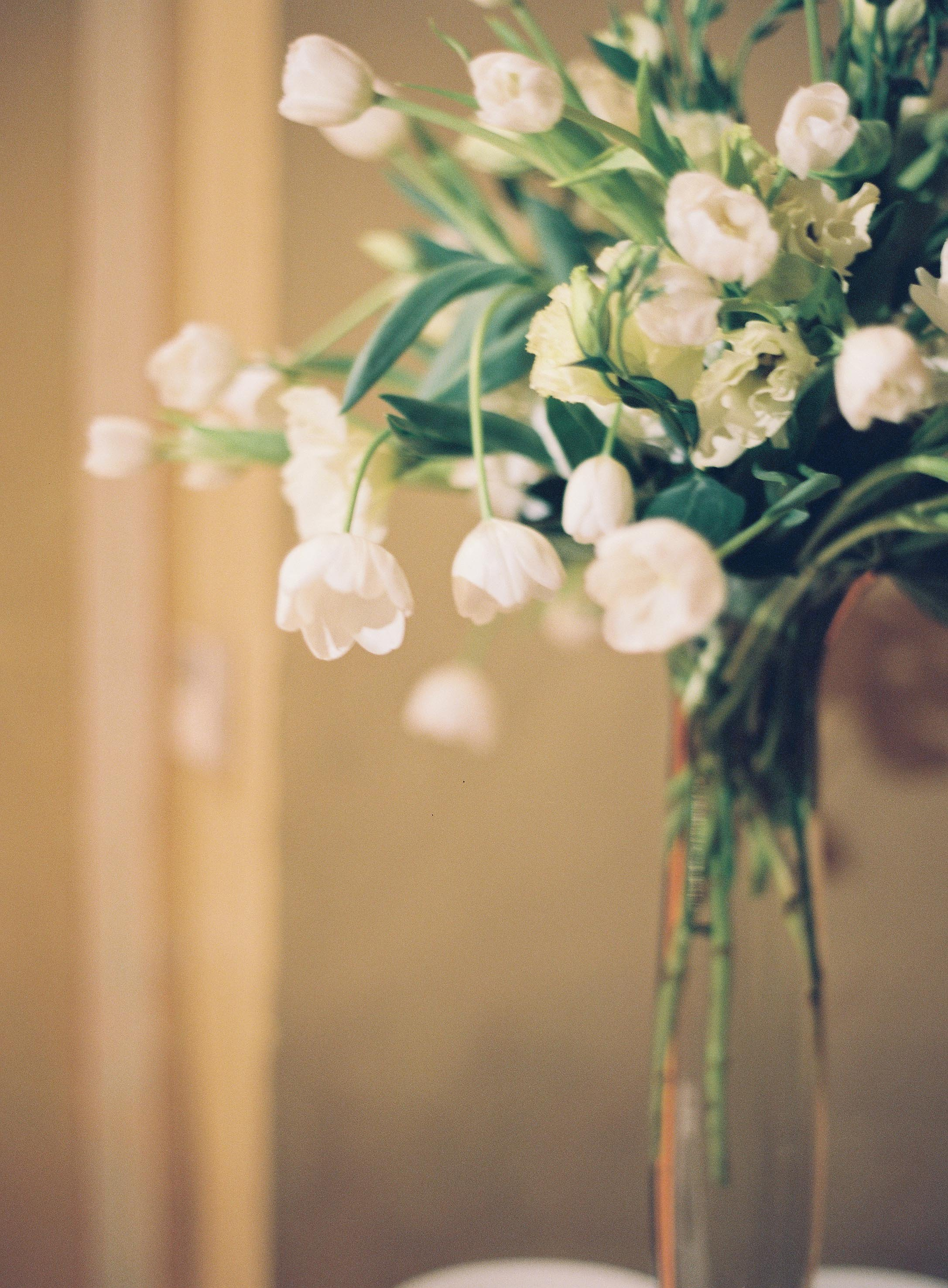 Wedding Planning Tips   Sapphire Events   Wedding Planner   Rylee Hitchner Photography   How to Use Pinterest   Tulip Centerpiece   White Flowers   White and Green Wedding