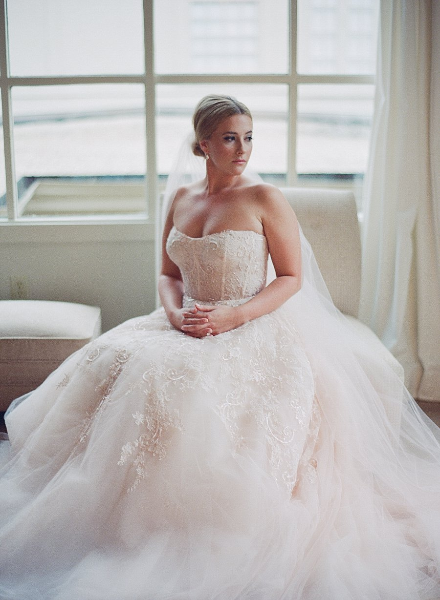 Classic black and white black-tie wedding at home | Sapphire Events | Jacqueline Dallimore Photo | NYE Wedding | Estate Wedding | Tented Wedding | Monique Lhuillier gown | Blush Wedding dress
