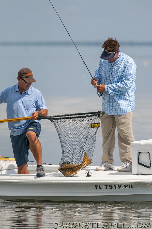saltwater-experience-landing-net-with-redfish-skiff-florida-keys