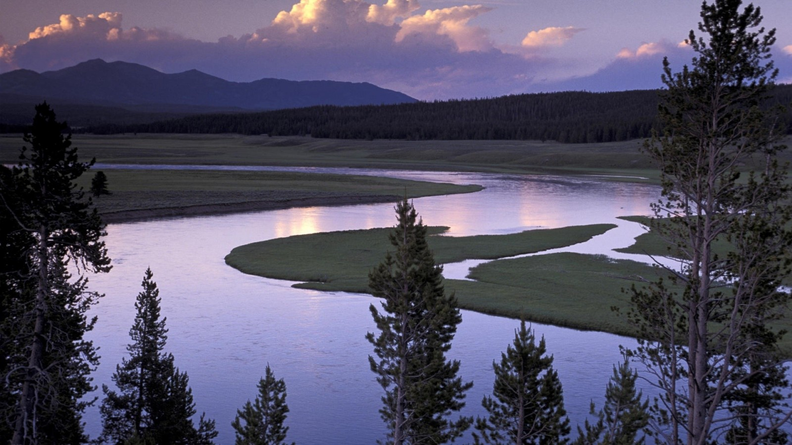 yellowstone-river2.jpg