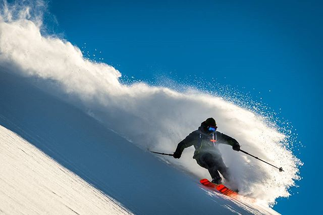 Sliding sideways. Photog: Klaus Polzer