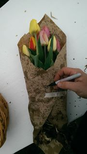 6. Wrap your beautiful bunch, tape it up and write the number of stems and flower bulbs on the outside of the paper.