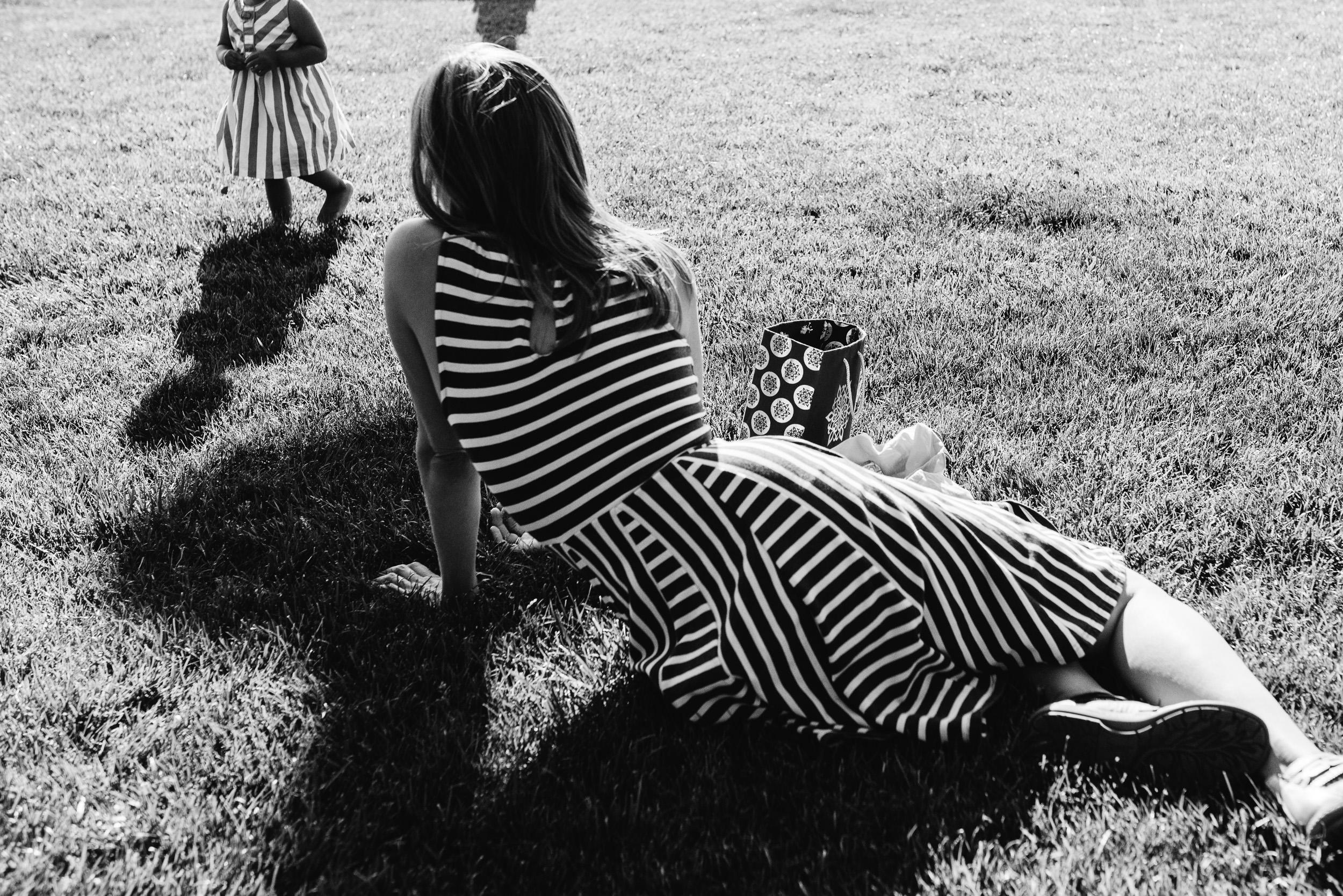 Deborah-Barak-Documentary-Family-Photography-Brooklyn_NYC_mom-and-baby-matching-stripes.jpg