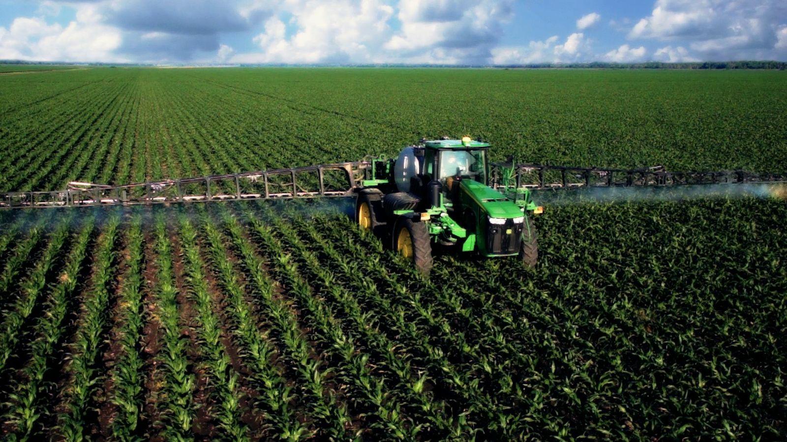 Figure      SEQ Figure \* ARABIC    1      :  Farming process are increasingly becoming mechanized