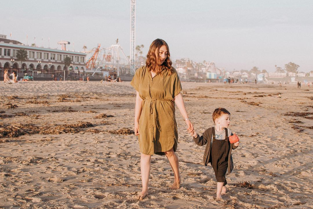 Janet Butler   @thatmomjanet highlights her family adventures through a cohesive feed of lifestyle content.