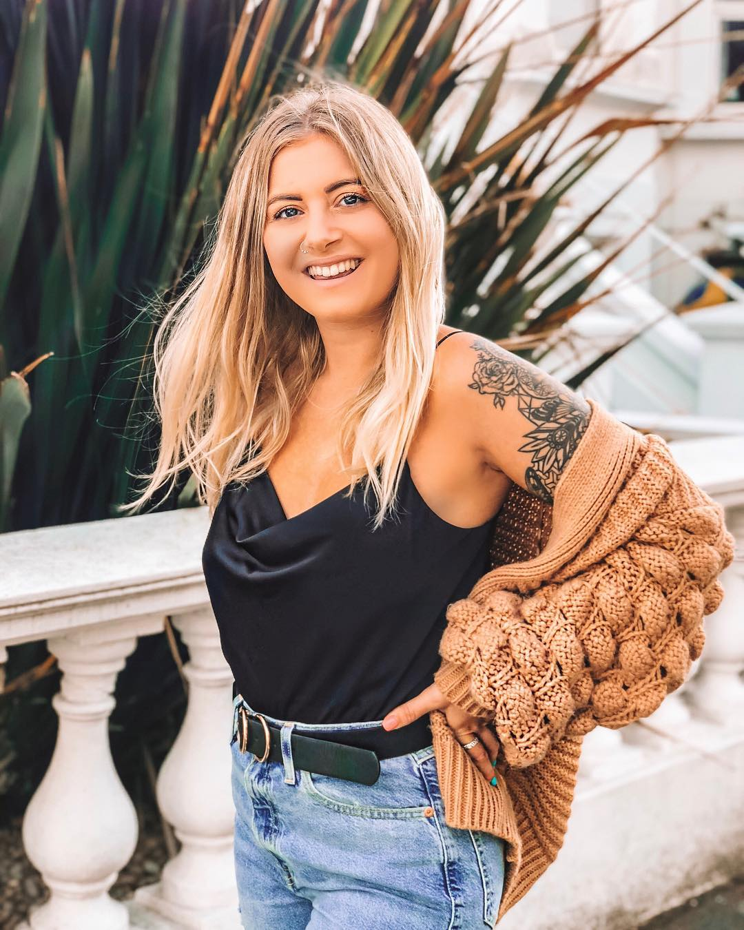 Ali Hemsley   is a fashion influencer with a focus on chronic illness, mental health and fitness. She's based in Brighton, United Kingdom.