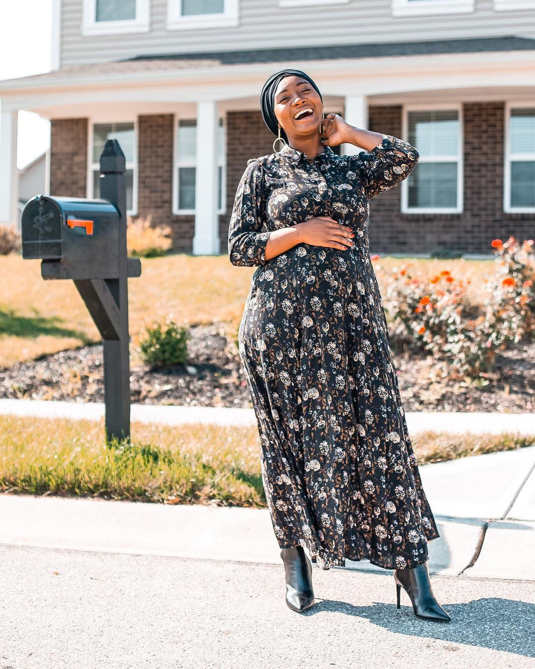 Aicha Balde   is a fashion and lifestyle influencer creating content with the millennial mom in mind. Raised in Guinea, West Africa, she's now based in Indianapolis, Indiana.