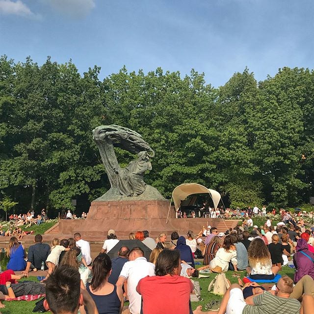 Took a break and watched the contestants perform from the Chopin International Piano Competition.  They played underneath the Chopin Monument.  Then took a stroll and ate some ice cream and drink a cappuccino.  All and all, a very nice day!  #warsaw #chopin