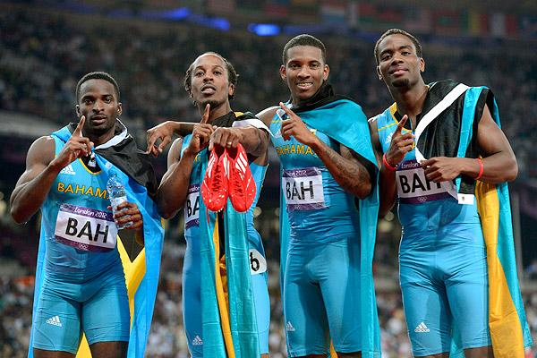 2012 Olympic's Bahamas Men's 4 x 400 Runners winning photo