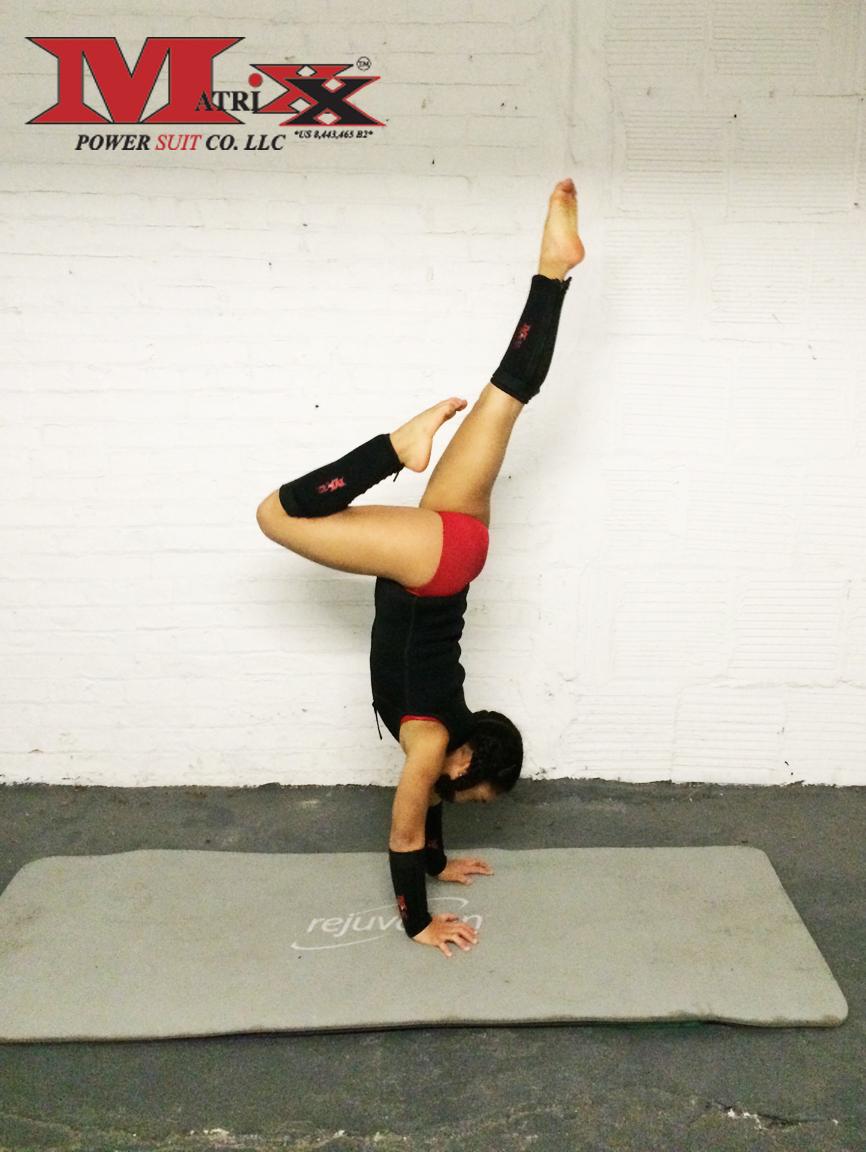 Ktusha stag handstand 1.jpg