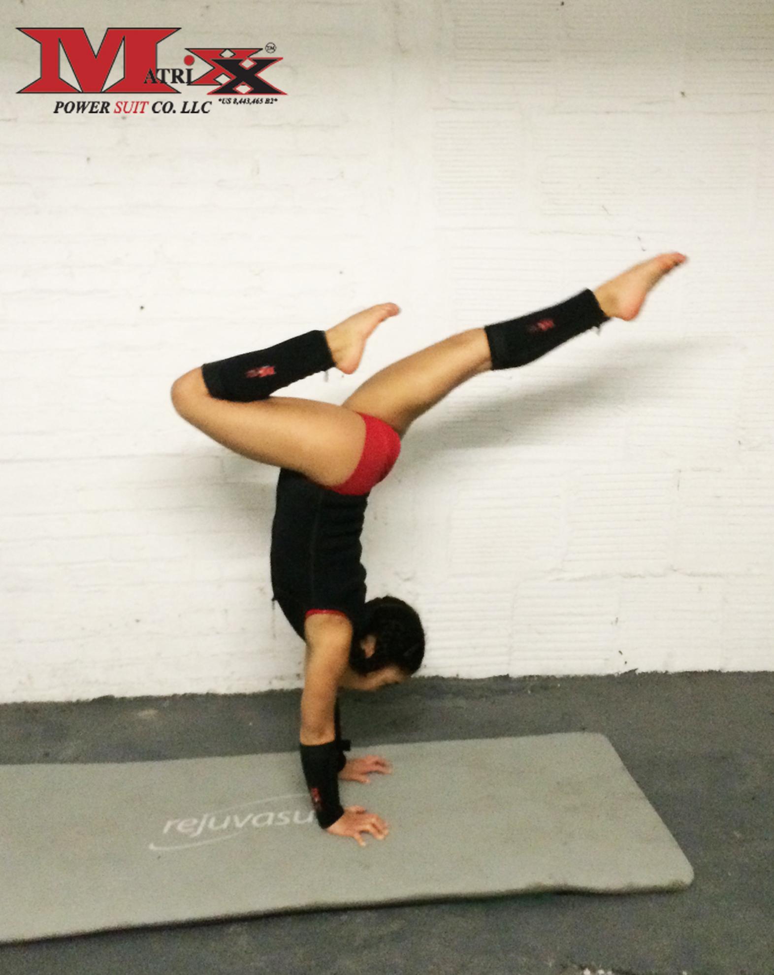Ktusha-handstand-pose-2.jpg