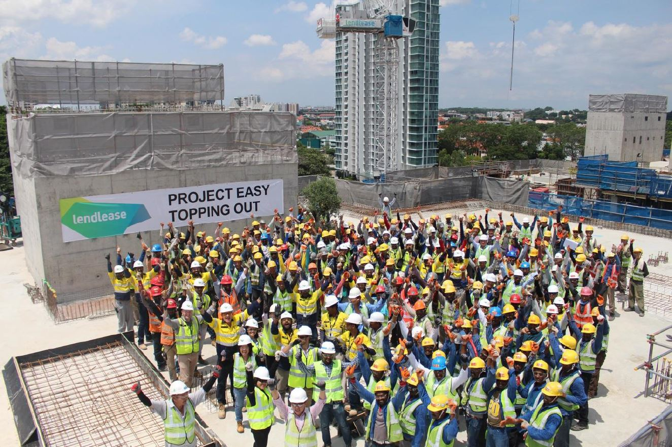 03-topping out.JPG