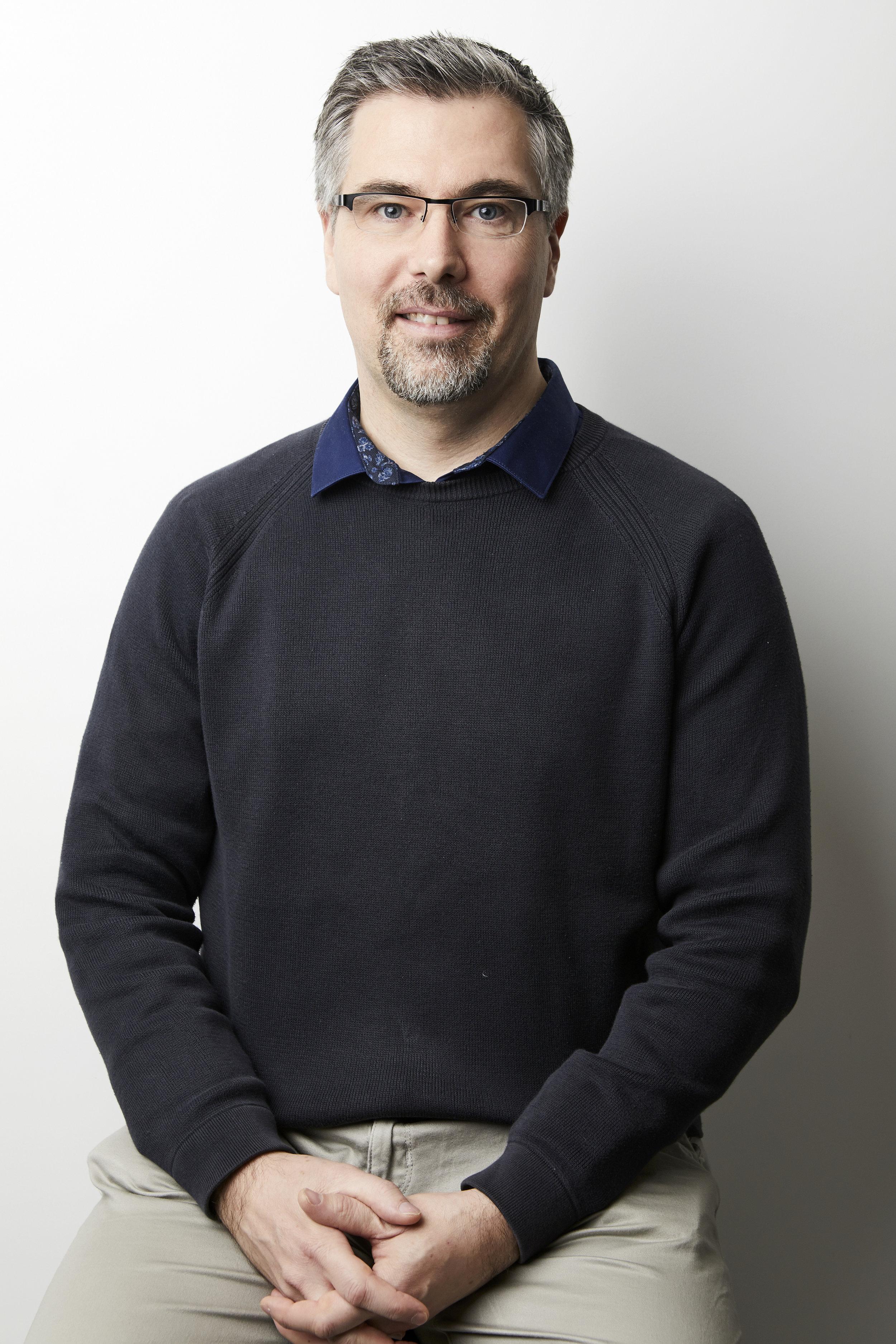 Paul G Welk