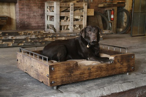 Echoing the beautiful barn woods of Vermont, this beautiful pallet sofa bed is also a statement piece!