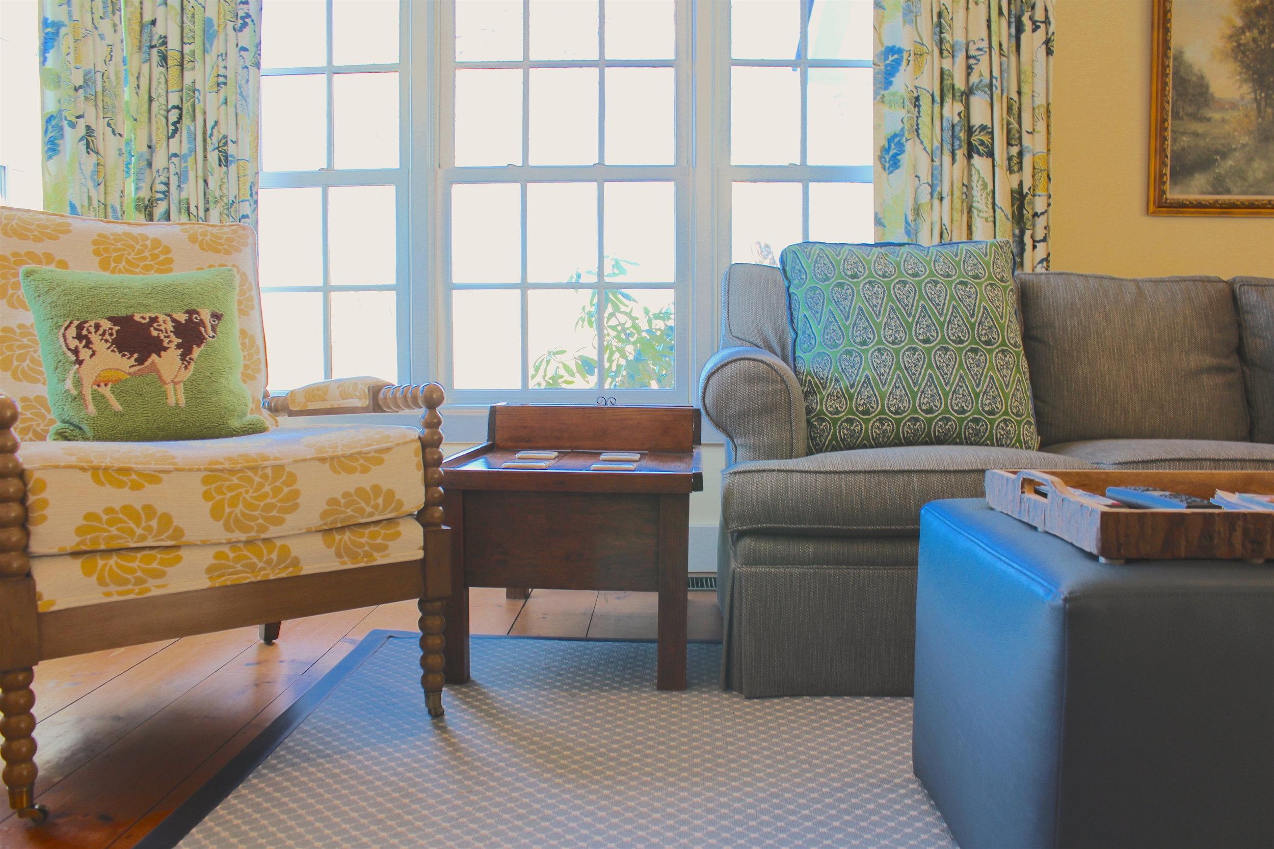 Deschutter Living Room close-up.JPG
