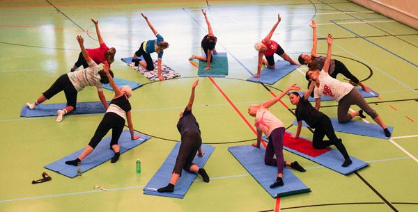 yoga-frauenturnverein-erlenbach.jpg