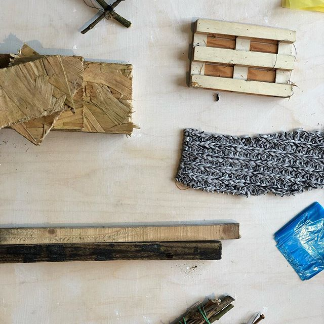Had a great day working with #thebuildingproject by @freshwestdesign at @oriel_myrddin gallery in Carmarthen. Thinking about what makes a home and talking about losing our sense of home and place (like so many displaced communities/refugees) - making improvised shelters and structures out of recycled materials #refugees #migrant #displaced #shelter #structure #materials #calais #dunkirk #jungle #camp