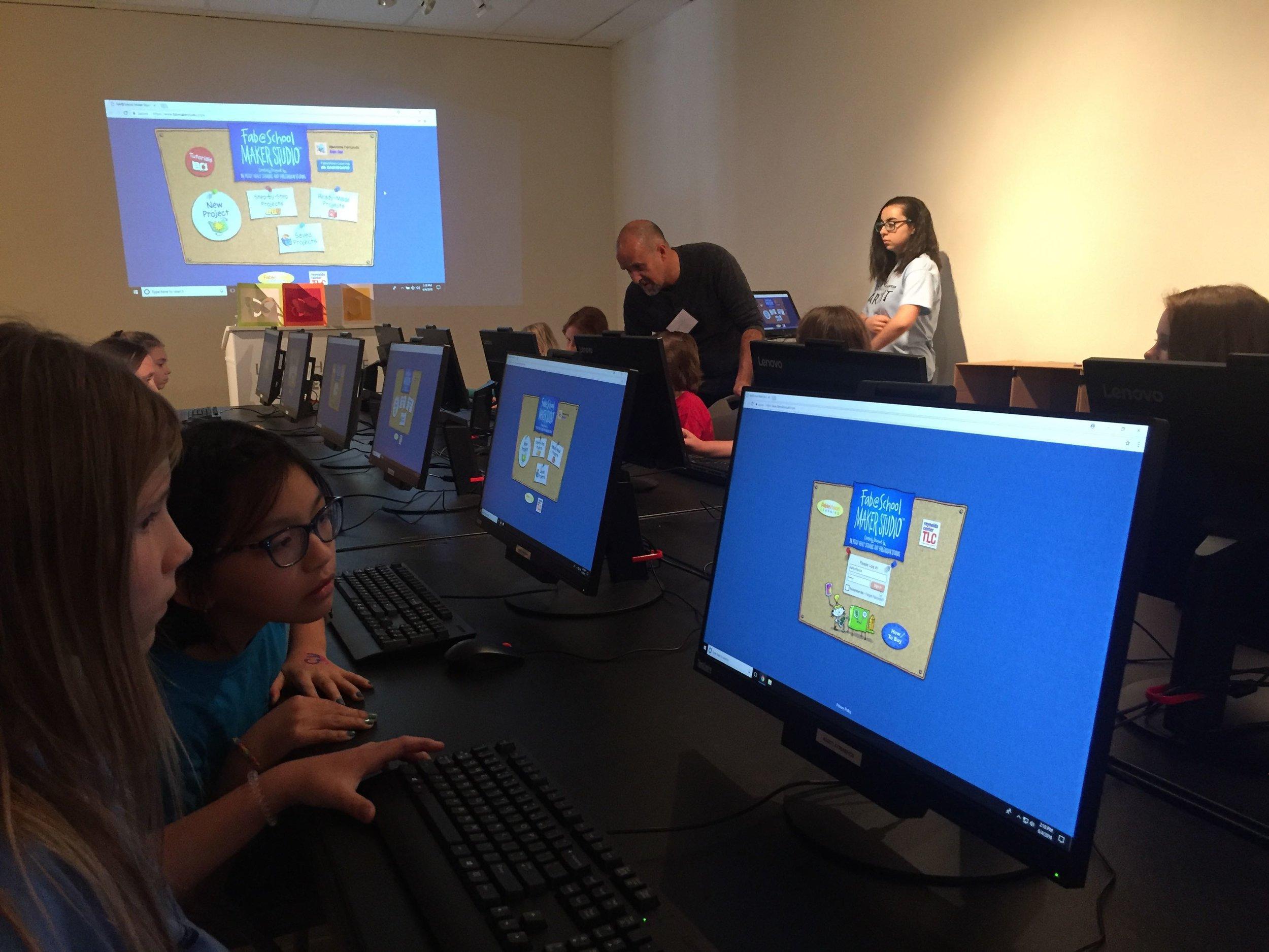 12 Maker Studio Onscreen.jpg
