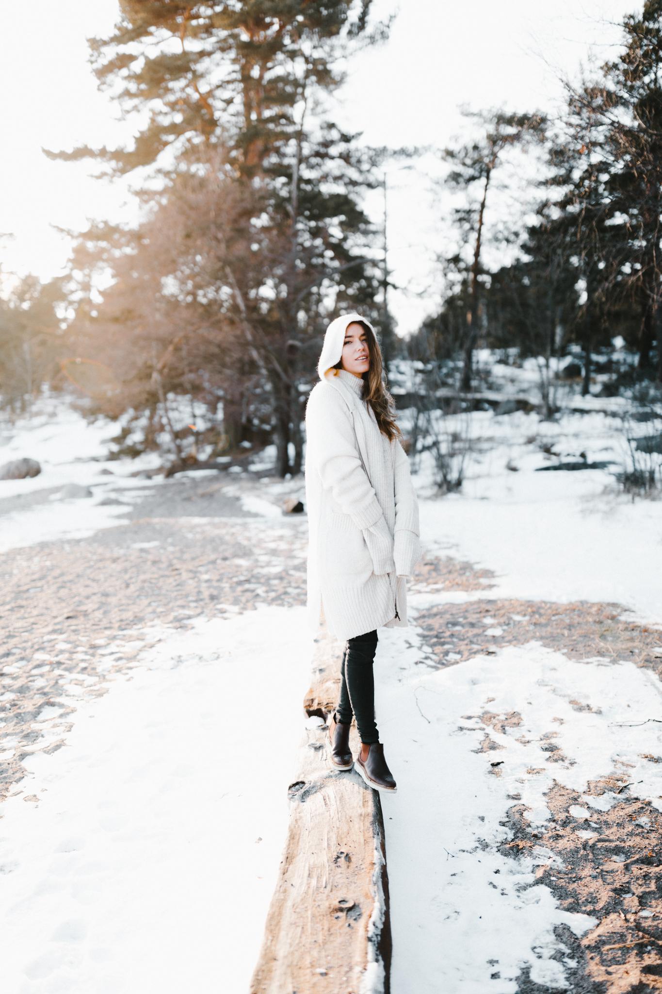 Julia Toivola -- Photos by Patrick Karkkolainen Photographer-102.jpg