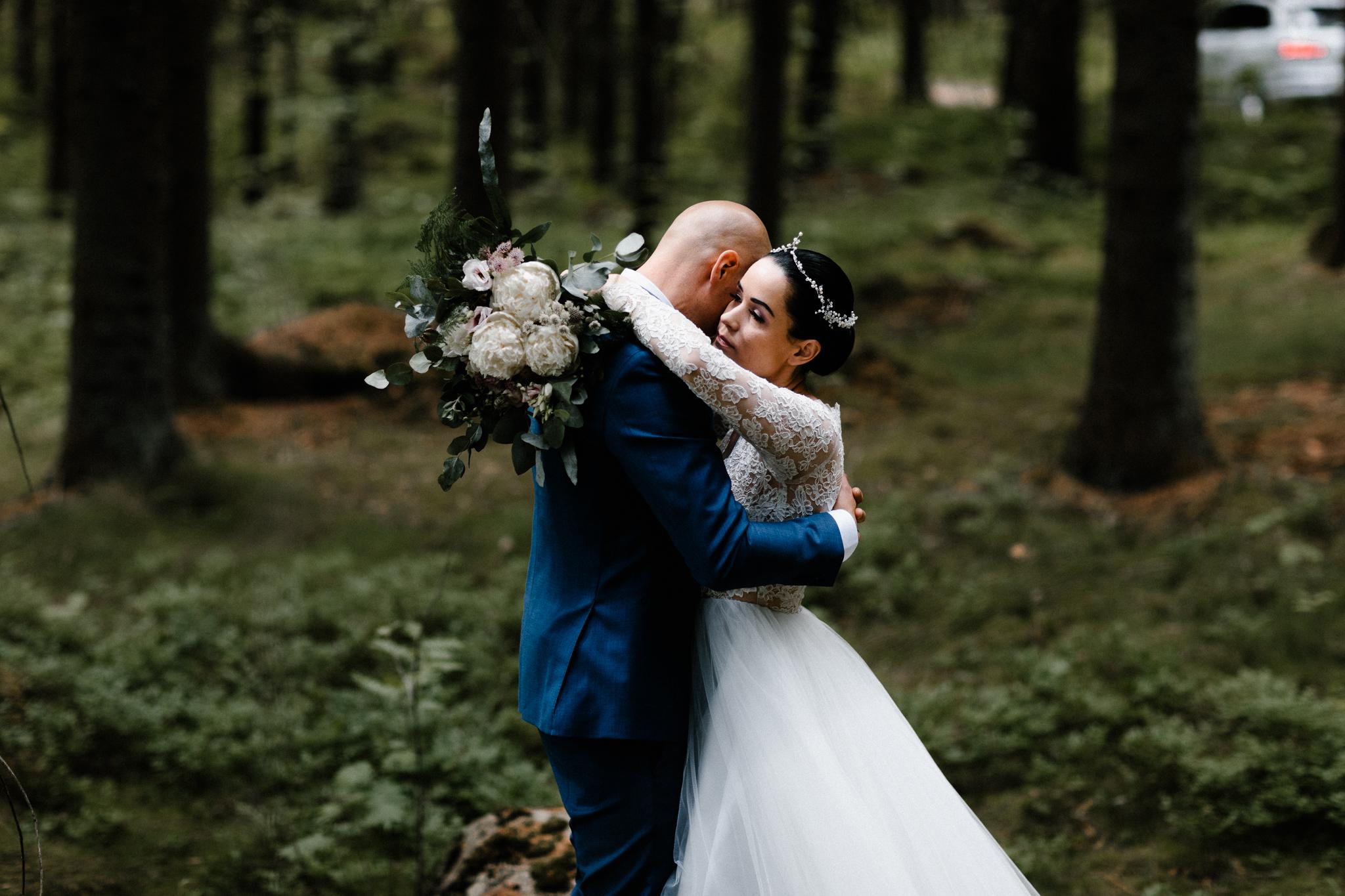 Essi + Ville | Oitbacka Gården | by Patrick Karkkolainen Wedding Photography-93.jpg