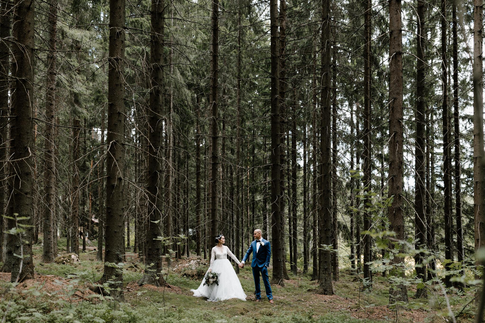 Essi + Ville   Oitbacka Gården   by Patrick Karkkolainen Wedding Photography-101.jpg