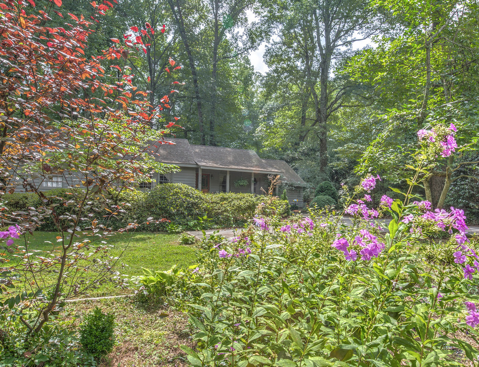 Hippie Cottage 1