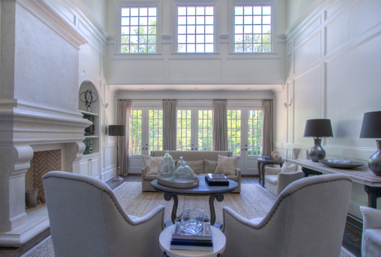 Neutral transitional living room