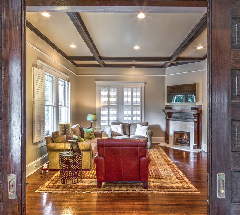 Craftsman Living room with fireplace