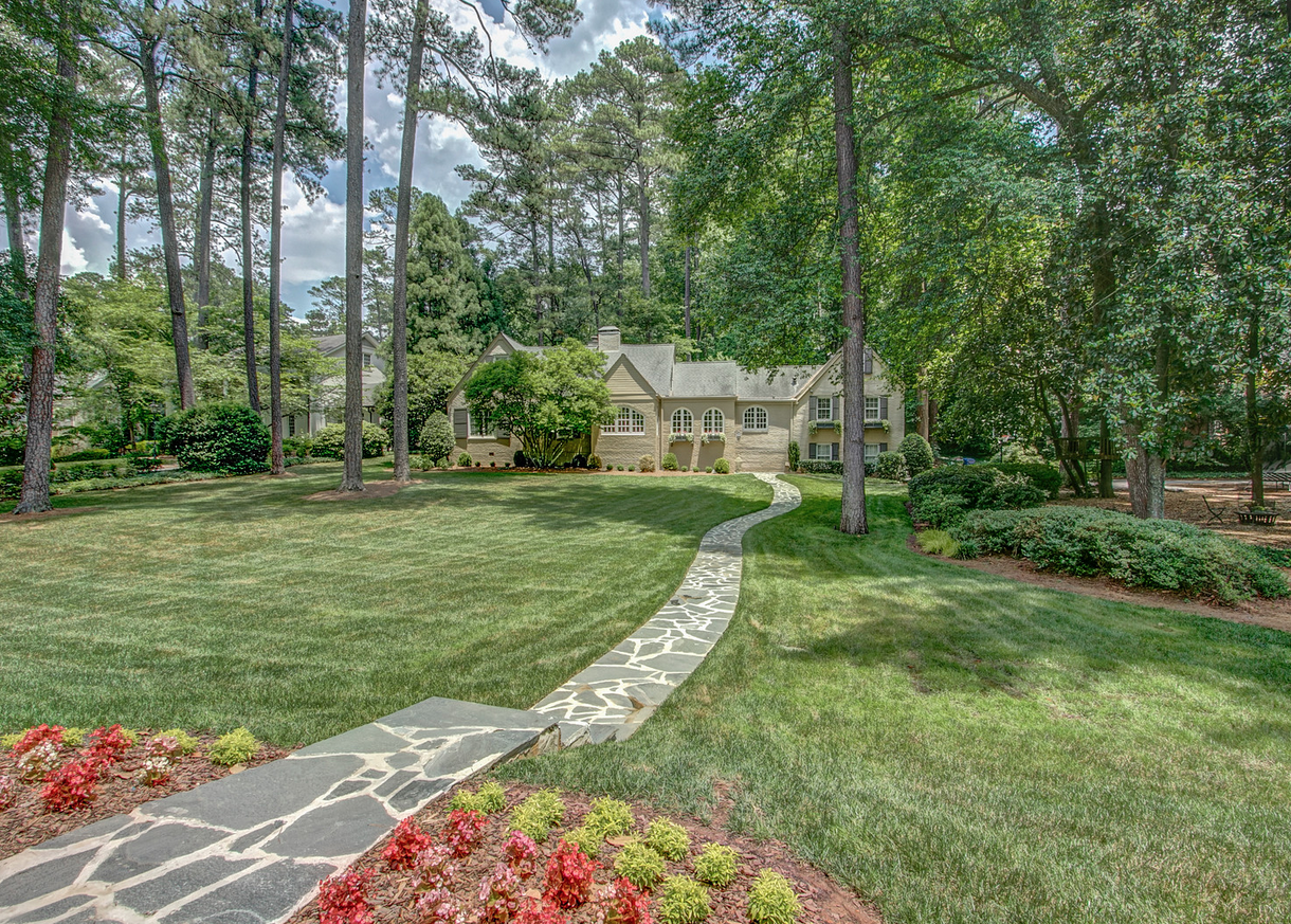 Front of house of Brookhaven Home