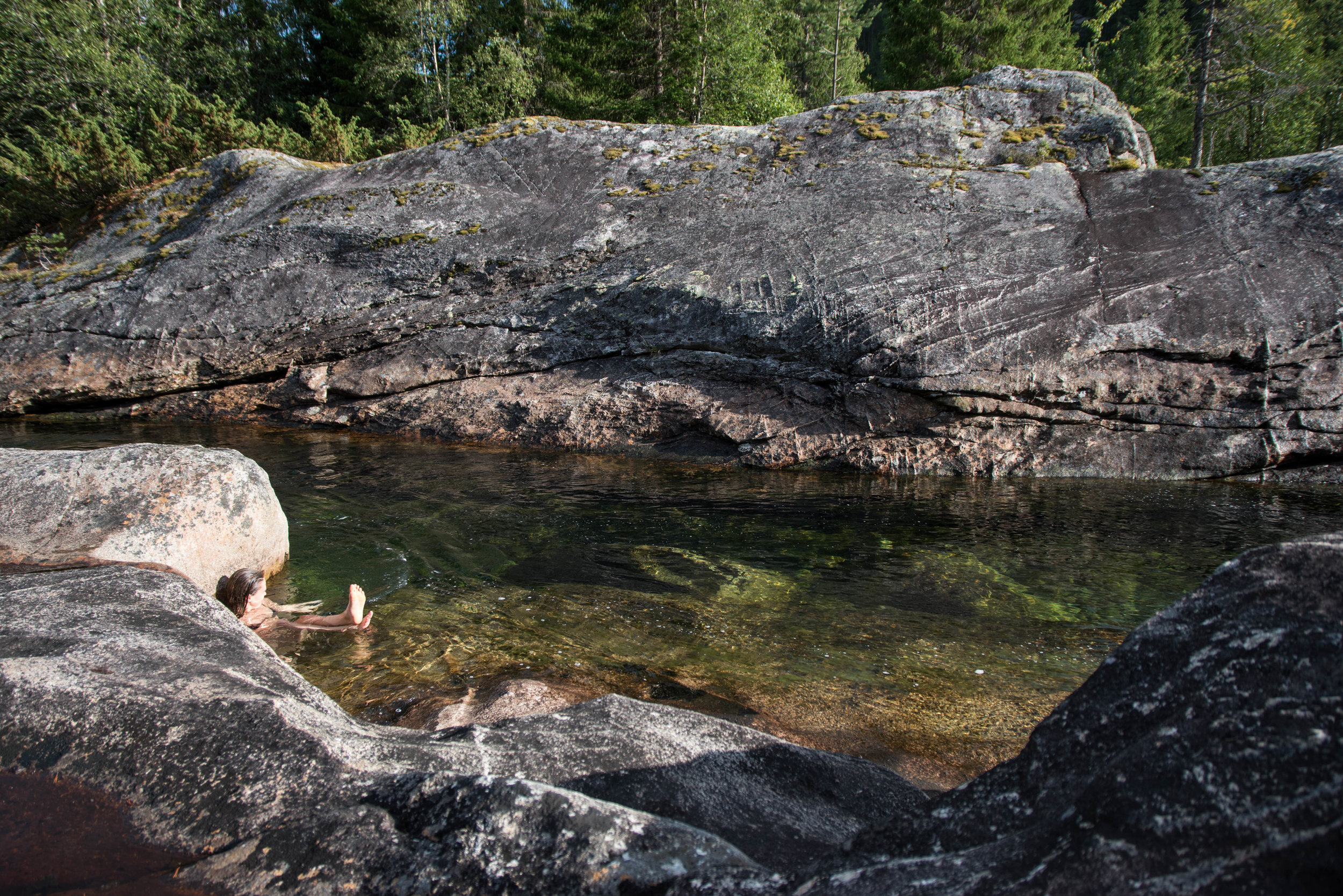 Hopp i elva! - Kjøl deg ned i Tessungåe etter et varmt bad