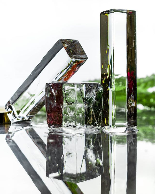 Keeping your drinks cool in every shape or size🍹 #cocktailice #ice #Spears #IceCubes #drinks #cheers #thirstythursday  #IceModern #okamotostudio
