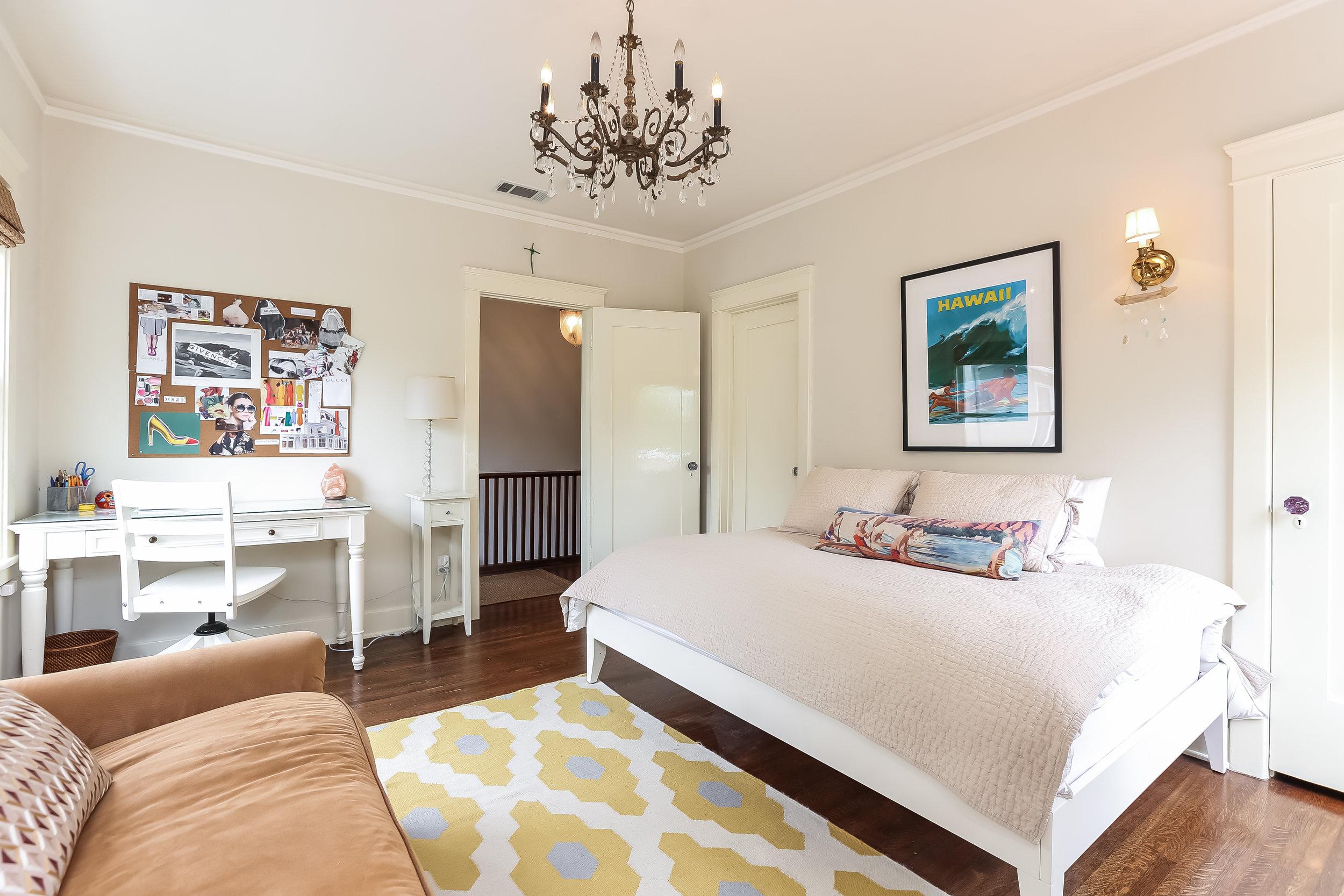 Bedroom-5846810.jpg