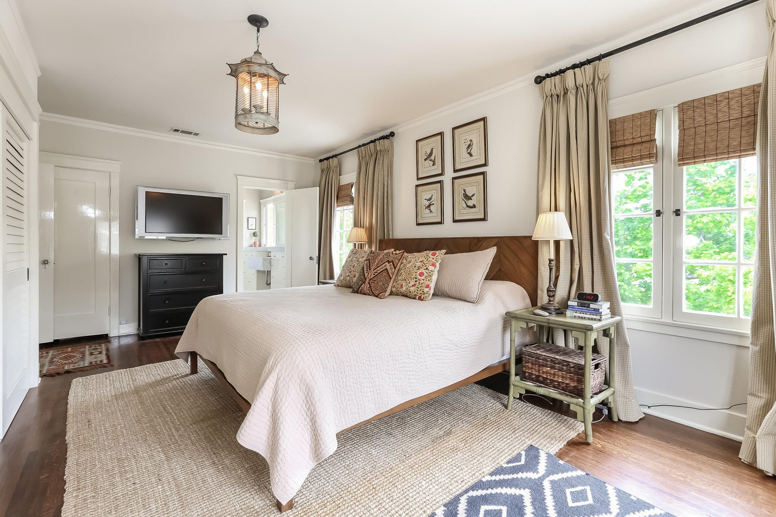 Master Bedroom-5846809.jpg