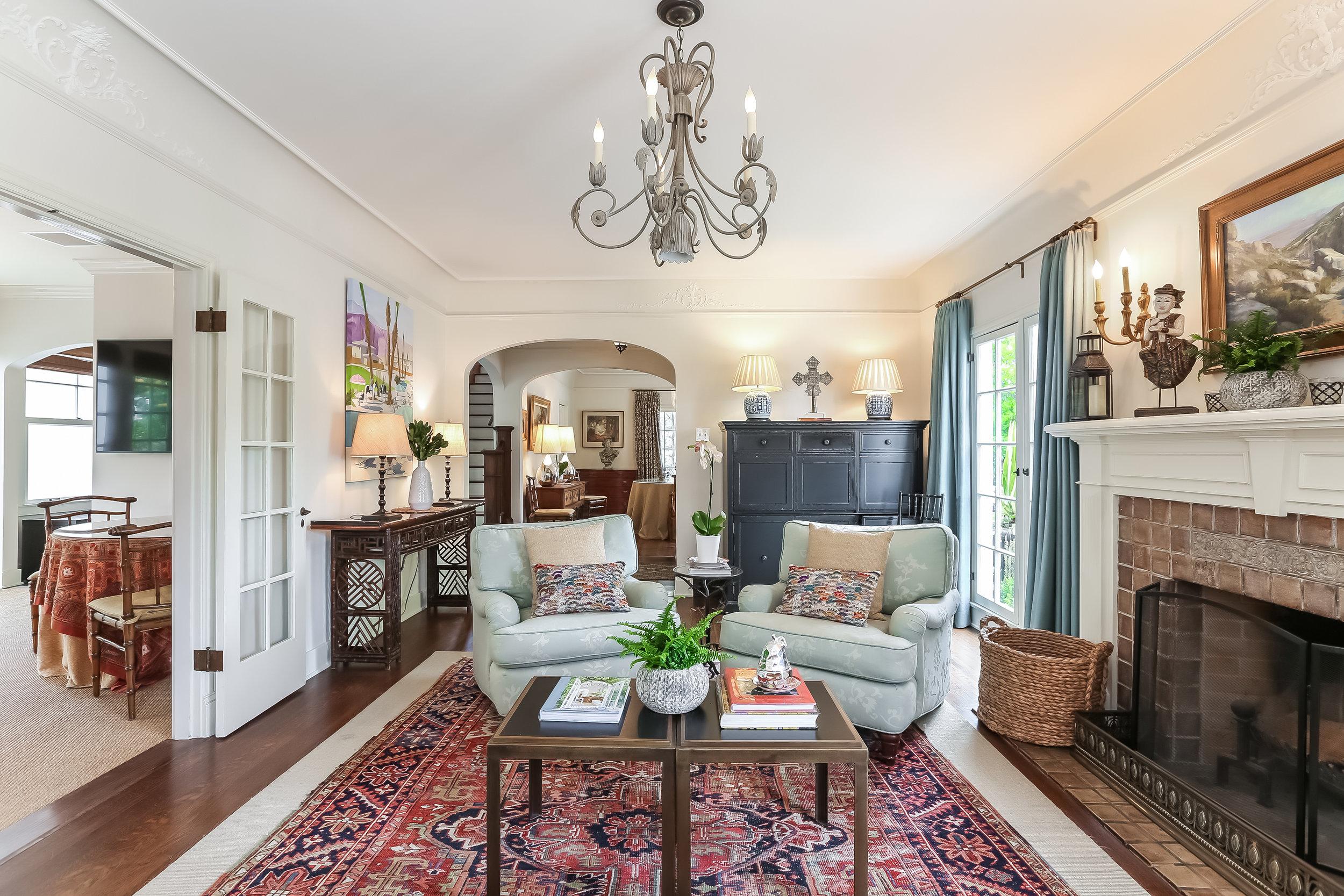Living Room-5846795.jpg