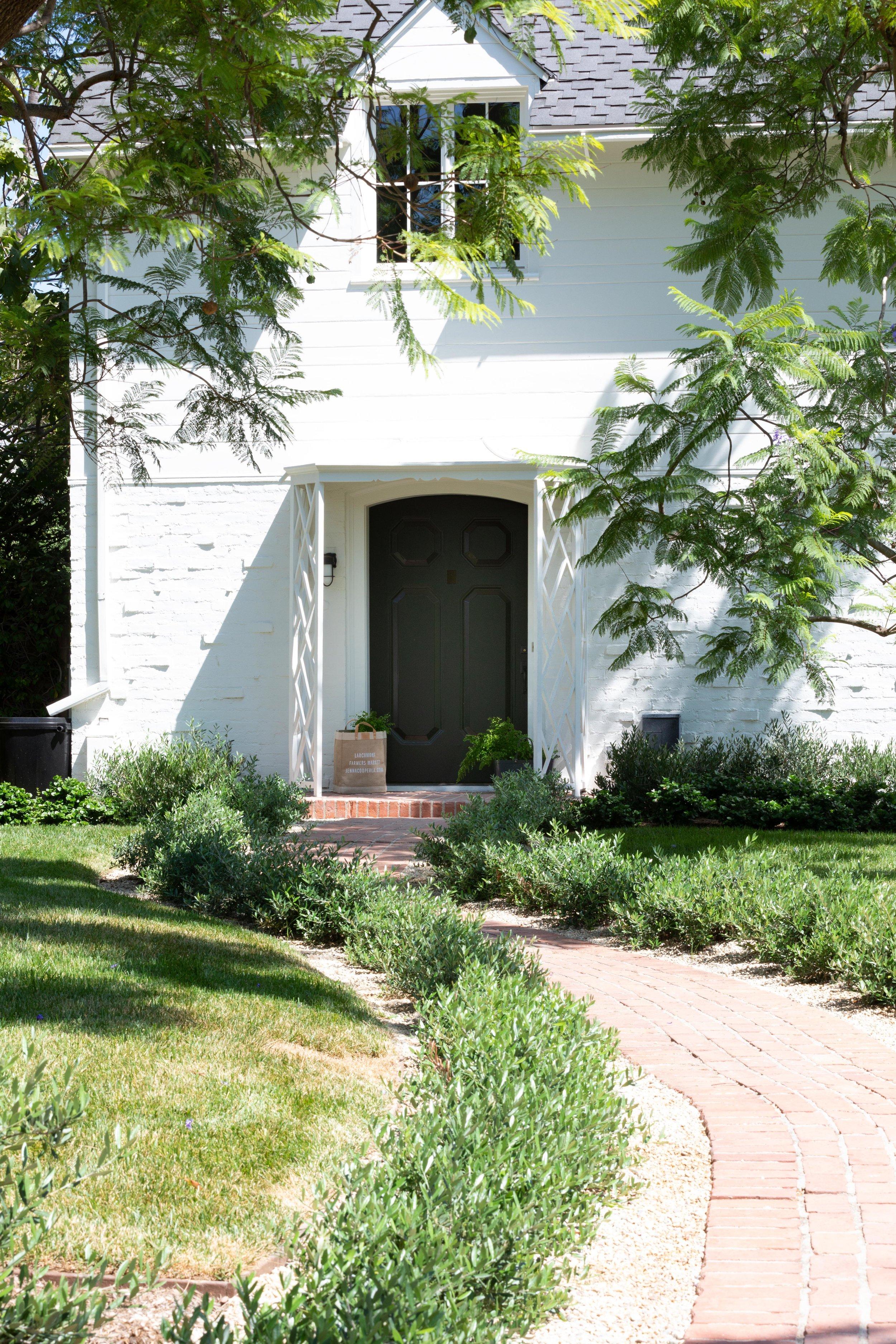 348 S Arden Blvd - VirtuallyHereStudios.com-5.jpg