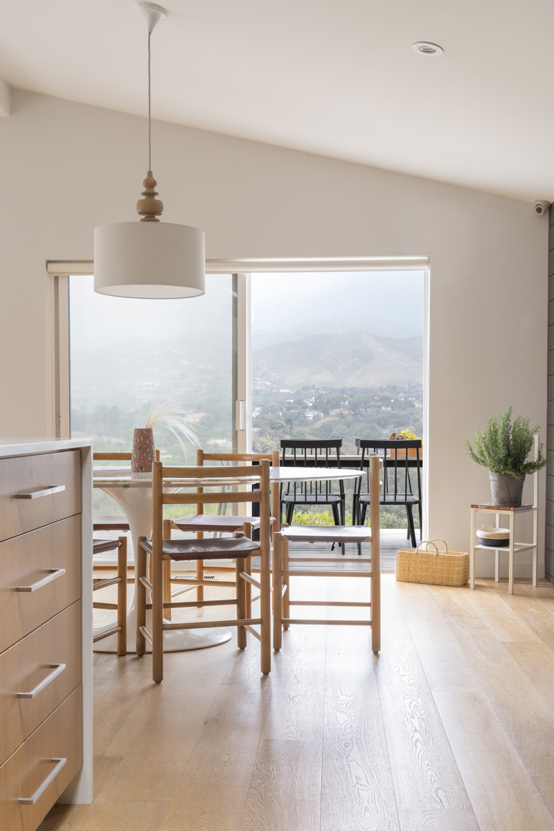 This sweeping, picturesque view of the Santa Monica Mountains is perfection.  Photo by Annie Meisel.