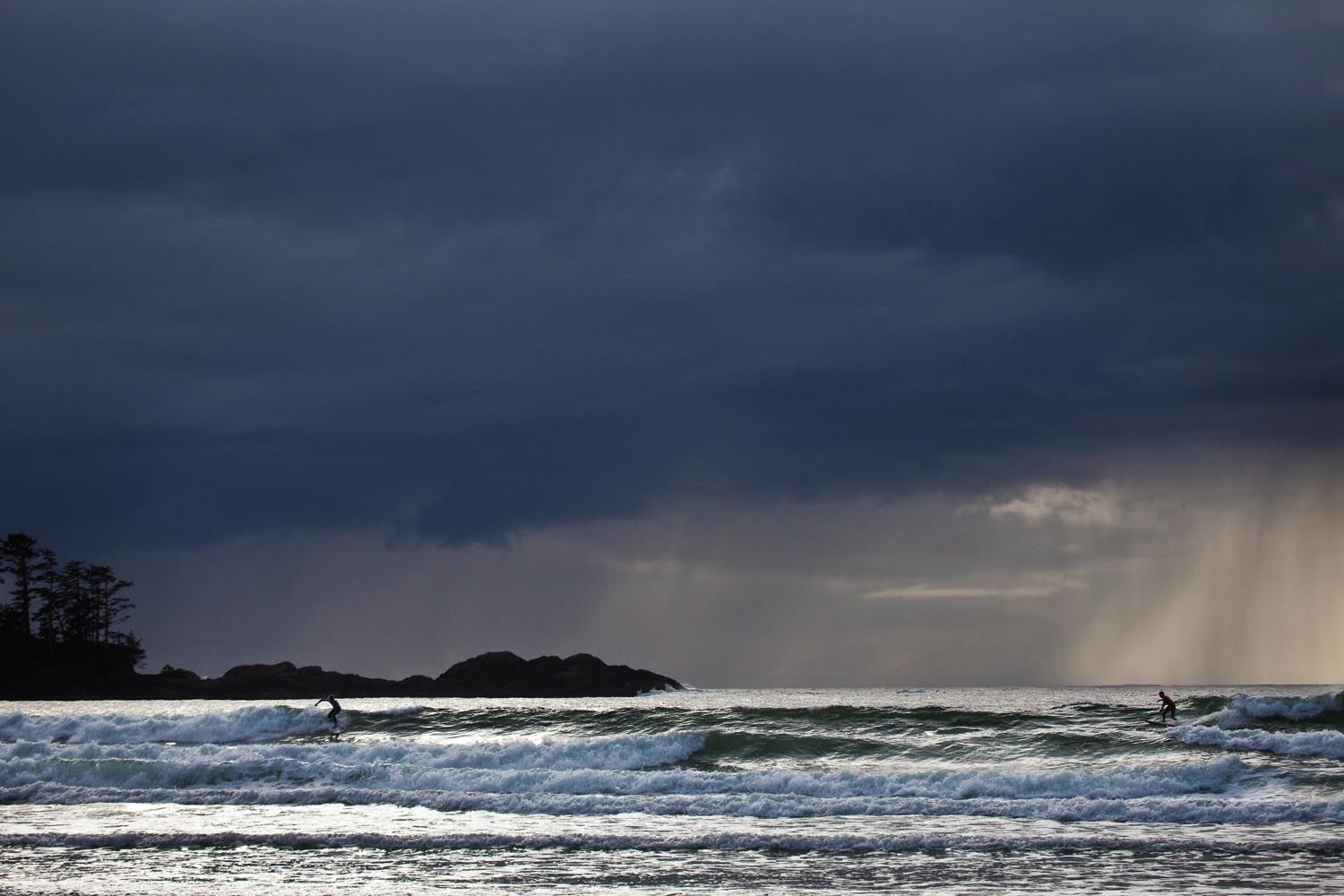 The last 10 seconds of the O'Neill CWC as Eric Geiselman and Josh Kerr ride the same wave: Chesterman Beach, Tofino